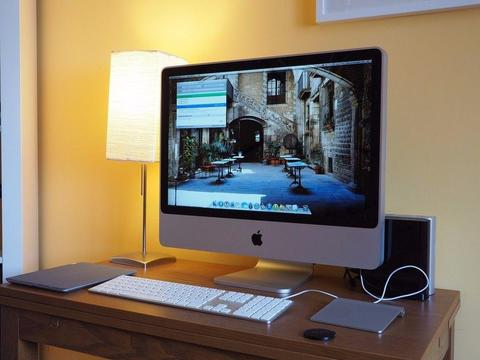 +++BOXED iMAC 24 inch 2.7GHz,4-8gb RAM, 640gb HD,OFFICE 2016, ADOBE CS6