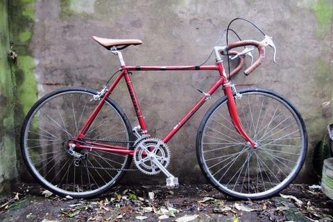 COVENTRY EAGLE. 21 inch, 53 cm, small size. Vintage racer racing road bike, 10 speed