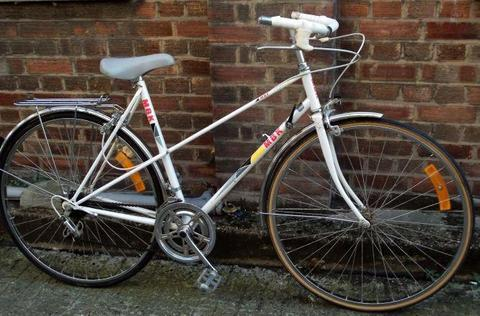 French vintage road ladies bike MOTOBECANE small size 19in - 10 speed serviced Welcome for test ride