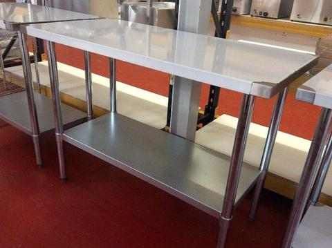 Stainless steel work table 150 cm / Restaurant