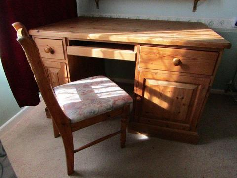 Old Creamery solid pine computer/hobby desk