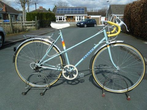 VINTAGE LADIES LADY PEUGEOT TOWN RACING ROAD 21